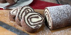 The chocolate roll cake encompasses a delicious cream cheese filling that's the perfect way to get added fats into your diet. Keto Desserts, Sugar Free Desserts, Dessert Recipes, Cake Recipes, Chocolate Roll Cake, Chocolate Desserts, Chocolate Cream, Keto Oatmeal, Hostess Cupcakes