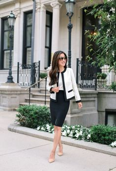 Business formal outfit // scallops + tweed jacket classic style in boston // tweed jacket + black pencil skirt for a business formal work outfit (or professional interview look) outfit Business Professional Outfits, Professional Dresses, Business Dresses, Business Outfits, Office Outfits, Mode Outfits, Fashion Outfits, Business Casual, Professional Networking