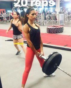 "6,220 curtidas, 121 comentários - Alexia Clark (@alexia_clark) no Instagram: ""LEG CIRCUIT!  Sumo Landmine Squat: 20 reps Walking lunges: 30 reps Bulgarian Split Squats:…"""