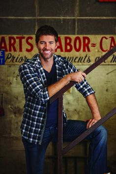 Josh Turner: are people really this good looking?! Golly wally! So handsome!