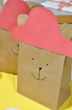 Who doesn't remember the classic Paddington Bear? Paddington Bear Movie Night ideas are sweet and a lovely way to spend time together. Paddington Bear, Book Themes, House Party, Good Movies, Teddy Bear, Hoe, Night, Birthday, School Ideas