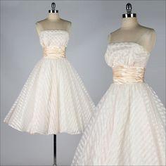 Vintage 50er Jahre Kleid. erröten Sie Rosa von millstreetvintage