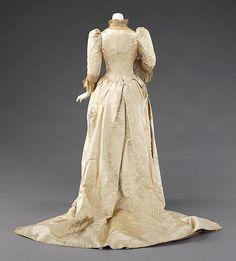 Bildergebnis für queen alexandra dress