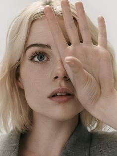 Lucy Boynton in Porter Edit September 2019 by Nicolas Kantor Blonde Ambition — Porter Edit September 2019 — www. net-a-porter .com Photography: Nicolas Kantor Model: Lucy Boynton Styling: Tracy T… Portrait Photos, L'art Du Portrait, Girl Portraits, Face Reference, Photo Reference, Portrait Inspiration, Character Inspiration, Body Inspiration, Headshot Photography