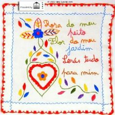 Portuguese traditional embroidey  - lenço dos namorados. Filet Crochet, Knit Crochet, Arts And Crafts, Diy Crafts, Textiles, My Heritage, Needlepoint, Hand Embroidery, Needlework