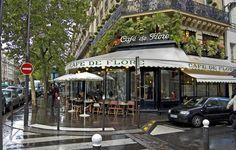 Café de Flore - Paris - http://lespetitsrestos.monipag.com/files/2013/02/flore_004.jpg