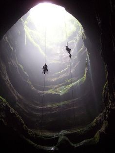 Too bad I am afraid of heights! http://media-cache7.pinterest.com/upload/284852745151135363_rIe8vnvX_f.jpg szqp travel the world