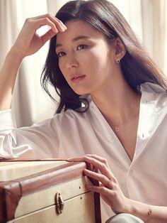 Resort 2019 fashion trends and street style Korean Beauty, Asian Beauty, Korean Celebrities, Celebs, Jun Ji Hyun Fashion, My Sassy Girl, Girls Run The World, 2 Instagram, Korean Actresses