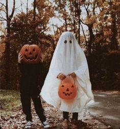 Halloween Tags, Holidays Halloween, Happy Halloween, Halloween Costumes, Retro Halloween, Halloween Season, Halloween House, Scary Halloween, Autumn Cozy