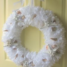 New seashells . Discussion on LiveInternet - Russian Service Online Diaries Beach Christmas, Coastal Christmas, Christmas Crafts, Christmas Decorations, Holiday Decorating, Letter Wreath, Coffee Filter Wreath, Shell Decorations, Shell Wreath