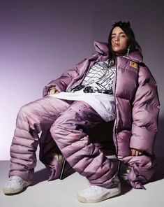 Billie Eilish on her love of fashion and why she opts for oversized styles The star answers rapid fire questions behind the scenes of her July 2019 cover shoot for Vogue Australia. Billie Eilish, Album Cover, Purple Aesthetic, Celine Dion, Her Music, Powerpuff Girls, Blake Lively, Music Artists, Jennifer Lopez