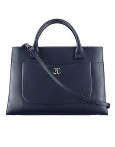 Bolsa grande, couro de novilho granulado & metal prateado-azul escuro - CHANEL
