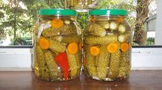 Mancare si ... vin pentru prieteni: castraveciori in otet Pickles, Cucumber, Food, Essen, Meals, Pickle, Yemek, Zucchini, Eten