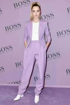 Lavender Looks from What the Fashion Model and actress Cara Delevingne keeps it classy and chic in a light purple pant suit and pointed white boots at the BOSS fashion show during Milan Fashion Week. Selena Gomez Red Carpet, Rihanna Red Carpet, Celebrity Red Carpet, Celebrity Style, Bella Hadid Red Carpet, Lila Outfits, Night Outfits, Fashion Outfits, Looks Kim Kardashian