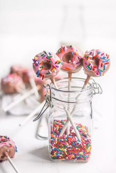 So, I had to make Doughnut Cakepops! These are Cakepops shaped like doughnuts and topped with pink chocolate and sprinkles. I used to make cakepops all the t… Cake Pop Bouquet, Flower Cake Pops, Birthday Cake Pops, Donut Birthday Parties, Donut Party, Sleepover Party, Pink Birthday, 30th Birthday, Birthday Ideas