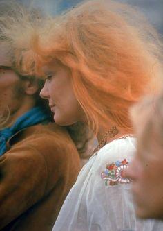 Les-filles-de-Woodstock-en-1969-mode-culture-hippie-7 Les filles de Woodstock en 1969