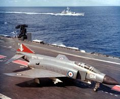 Phantom FG.1 of 892 NAS aboard HMS Ark Royal in 1972 [1551  1284]