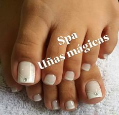 547 Me gusta, 4 comentarios - uñas Mágicas (@magicas.nails) en Instagram Acrylic Toe Nails, Painted Toe Nails, French Pedicure, Gorgeous Feet, Paint Designs, Maybelline, My Nails, Nail Art, Gladiator Sandals
