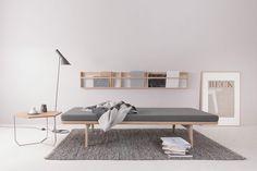 DIY - Inspiration til din egen garderobe - Small Living, Living Area, Style At Home, Cement Art, Nordic Home, Daybed, Minimalist Design, Color Inspiration, Office Desk