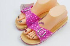 sepatu dan sandal wanita yang unik dan nyaman - http://sendaljelly.com/2016/03/sepatu-dan-sandal-wanita-yang-unik-dan-nyaman.html