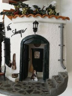Teja Villa Silvespe Clay Houses, Roof Tiles, Saved Items, Tile Art, Small World, Decoupage, Sweet Home, Mirror, Handmade