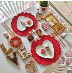 'Cos Love is all we need.batu with ・・・ Günay… 'Cos Love is all we need. Romantic Room Decoration, Romantic Table Setting, Food Decoration, Table Decorations, Valentines Food, Valentines Day Decorations, Romantic Surprise, Food Platters, Romantic Dinners