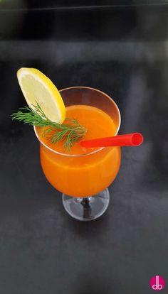 selbstgemachter Karotten-Pfirsich-Cocktail ohne Alkohol