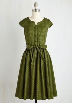 Charming 1950s style day or house dress - Of Hearth and Home Dress $89.99 AT vintagedancer.com