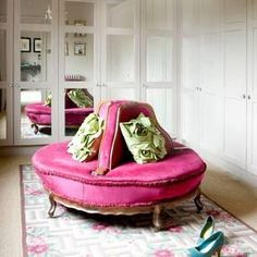 Round Pink Settee