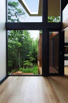 La maison du sculpteur Jarnuszkiewicz au Québec par YH2 - Journal du Design