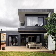 By using Scyon Axon cladding and utilising a cantilevered design to add angles to the home, they break up the boxy look. #scyonwalls #scyonlinea #scyon #hometips #homedecoration #homedecore #homedesigner #homeandliving #instahomes #instahomedecor #interiordecor #interiorlovers #interiordesignideas #decorinspo #exterior #facade #facades #facadelover #facadelovers #facadedesign #housesofinstagram #housetohome #australianhomes #architexture #architecturephotography #archilovers #archdaily