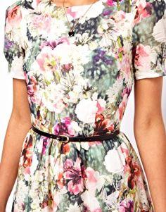 Image 3 ofOasis Photographic Floral Print Dress