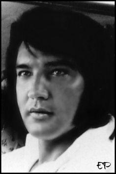 closeup Elvis Presley