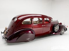 1937 Hudson Terraplane, a typically gangster '30s profile with suicide doors, running boards and a bluff, uncompromising nose.