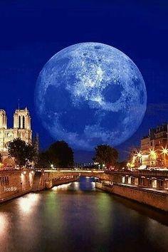 Moonlight serenade Over Paris gif Moon Photos, Moon Pictures, Moon Pics, Stars Night, Natur Wallpaper, Shoot The Moon, Sun Moon Stars, Moon Magic, Beautiful Moon