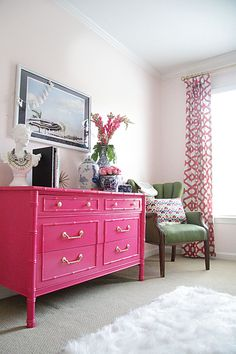 Charming Pink Dresser Ideas You Will Love Casa Rock, Urban Deco, Pink Chests, Pink Dresser, Painted Furniture, Painted Dressers, Bamboo Furniture, Furniture Design, Hot Pink Furniture