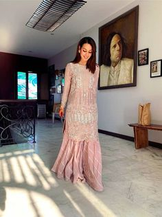 Pakistani Fancy Dresses, Pakistani Dress Design, Beautiful Dress Designs, Beautiful Dresses, Indian Designer Outfits, Indian Outfits, Designer Dresses, Pretty In Pink Dress, Embroidery Suits Design