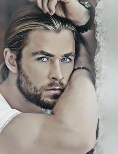 Liam Hemsworth, Hemsworth Brothers, Age Of Ultron, Dark Kingdom, Film Star Trek, Mma Fighting, Avengers 2012, Die Rächer, Cabin In The Woods