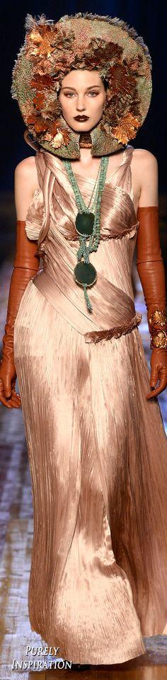 Fashion Week, Runway Fashion, Fashion Models, High Fashion, Fashion Show, Gypsy Fashion, Paris Fashion, Luxury Fashion, Fashion Trends