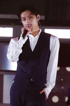 jun, Seventeen, and kpop image Woozi, Jeonghan, Wonwoo, Seungkwan, Jackie Chan, Hiphop, Seventeen Junhui, Wen Junhui, Seventeen Debut