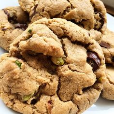 The perfect vegan cookie recipe. Pistachio, sea salt, and carob chocolate chip cookies can be easily made with dark chocolate instead of carob, too. Carob Recipes, Caramel Recipes, Cookie Recipes, Vegan Recipes, Dessert Recipes, Vegan Blogs, Free Recipes, Baking Recipes, Carob Chocolate