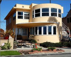 Dexter Season 8 Filming Locations - Dr. Evelyn Vogel's House: 275 Bay Shore Ave, Long Beach, Ca