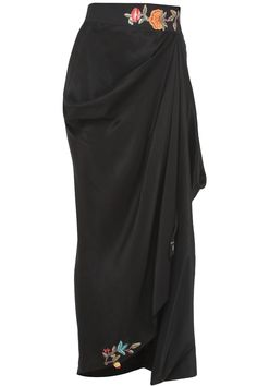 Anamika Khanna can make you feel like a goddess in this black silk, floral embroidered drape. Wear it with chandelier earrings to a beach wedding. Designer Party Wear Dresses, Indian Designer Outfits, Kurta Designs, Blouse Designs, Drape Skirt Pattern, Skirt Fashion, Fashion Dresses, Drape Gowns, Draped Skirt