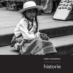 """Fotoreportaż """"Historie"""" przedstawia portrety ludzi spotkanych podczas dekady podróży po krajach całego świata. W swojej niezwykłej książce, autor stara się odpowiedzieć na pytanie, co łączy ludzi mieszkających w różnych częściach naszego globu? W czym jesteśmy podobni? Czym się różnimy? Jak żyjemy? Czy naprawdę tak wiele nas dzieli?"""