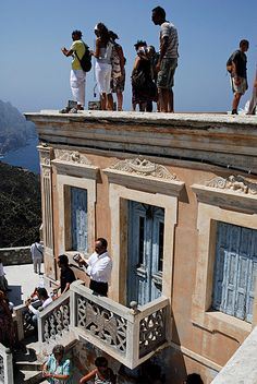 On the buildings of Olympos