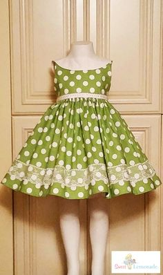 Divino Baby Girl Party Dresses, Wedding Dresses For Girls, Girls Dresses, Cotton Frocks For Girls, Kids Frocks, Little Girl Outfits, Kids Outfits, Baby Dress Design, Baby Dress Patterns