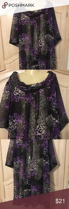 Designer lane Bryant elegant blouse Elegant blouse with medium sleeves and collar with beautiful stamped size 26/28 Lane Bryant Tops Blouses