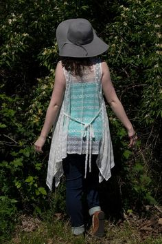 Hats and lace are forever! #JFYbrand #summerweather #lace #floppyhat