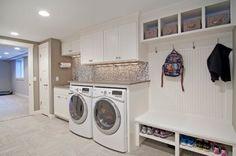 waschküche einrichten, platz für schuhschrank