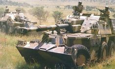 South African Howitzer the SPG with the longest range in the world. Army Vehicles, Armored Vehicles, Tank Wallpaper, Self Propelled Artillery, South African Air Force, War Image, Defence Force, World Of Tanks, Cool Guns